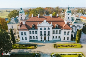 2019-08-31-Wioletta-Jakub-sesja-Muzeum-Zamoyskich-w-Kozłówce-27