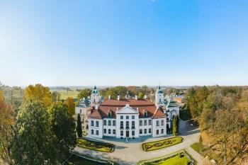 2019-08-31-Wioletta-Jakub-sesja-Muzeum-Zamoyskich-w-Kozłówce-30