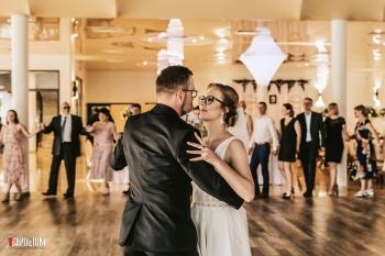 4.-Wejście-i-pierwszy-taniec-2019-06-22-Dominika-Mateusz-12