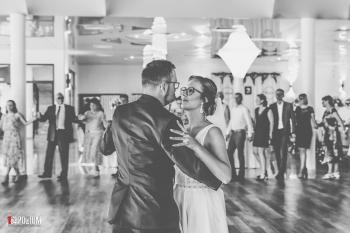 4.-Wejście-i-pierwszy-taniec-2019-06-22-Dominika-Mateusz-13
